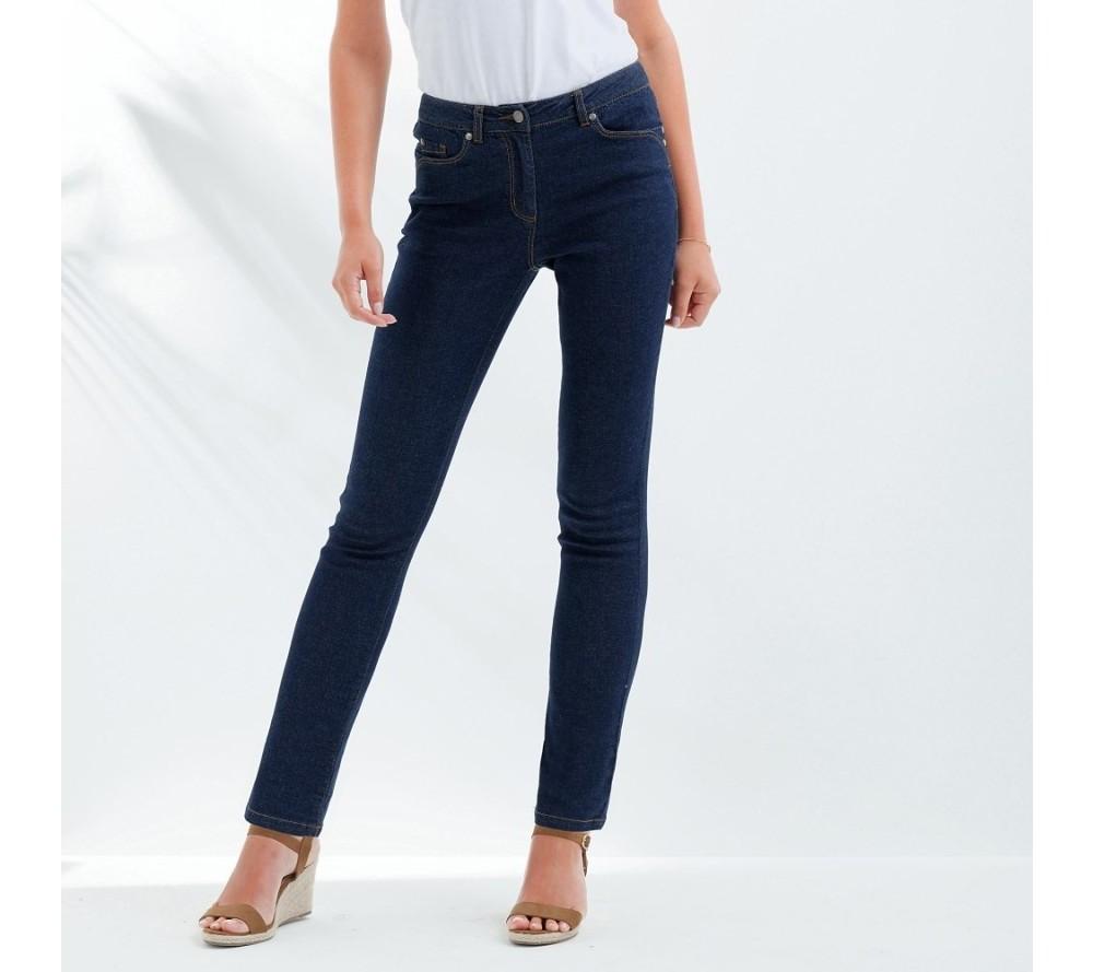 Kalhoty (nejen) v barvách duhy. Které si zamilujete?